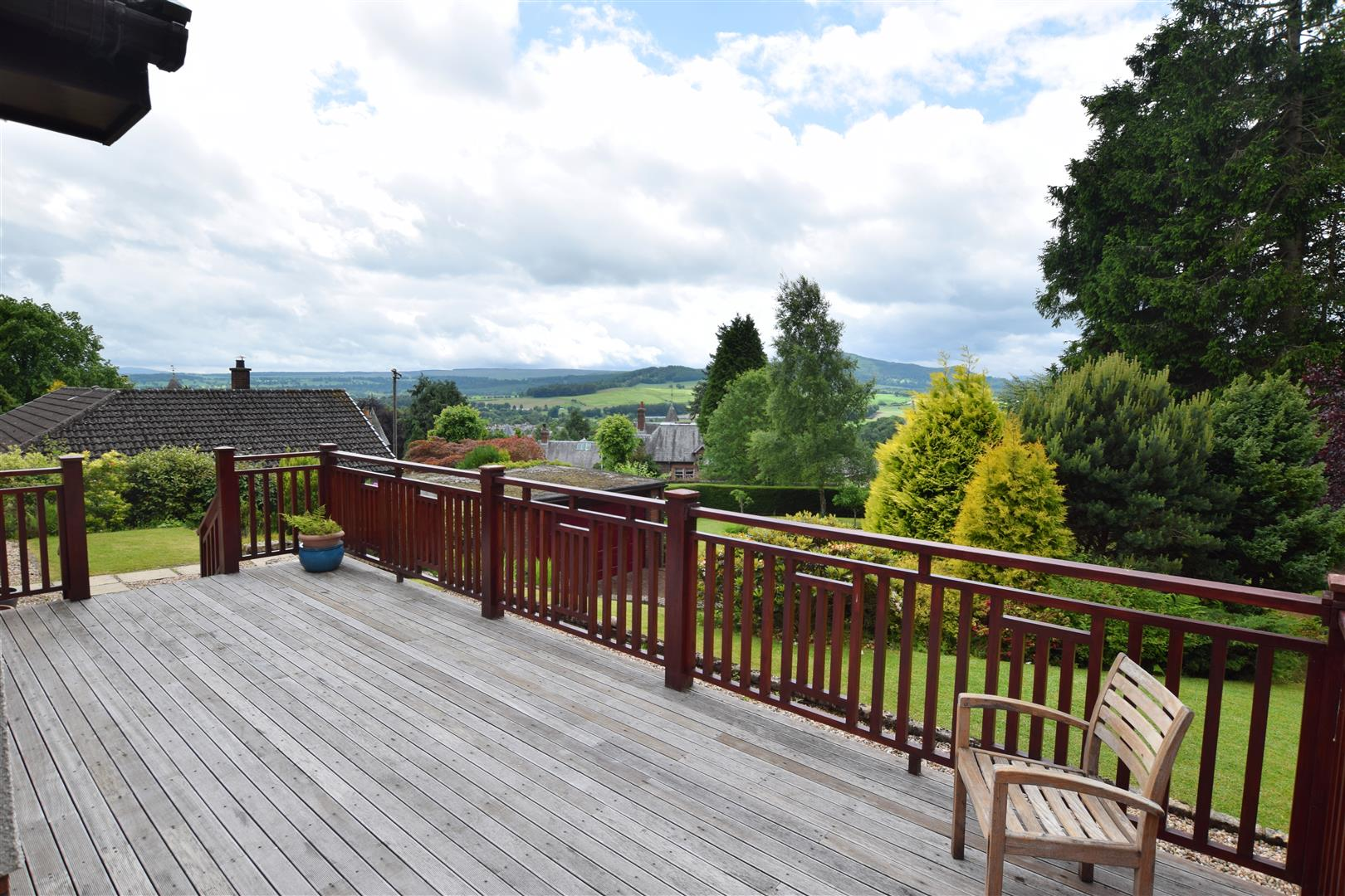 Pinewood, Ancaster Road, Crieff, Perthshire, PH7 4AL, UK